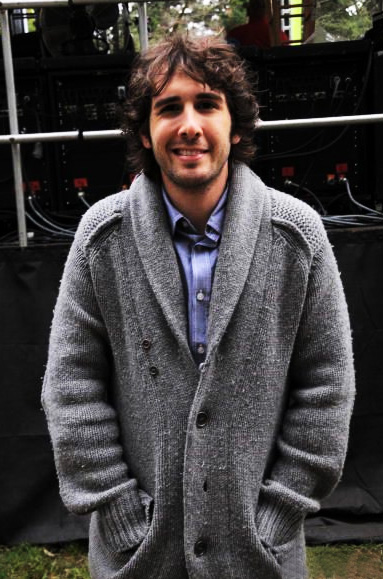 Groban sweater 01