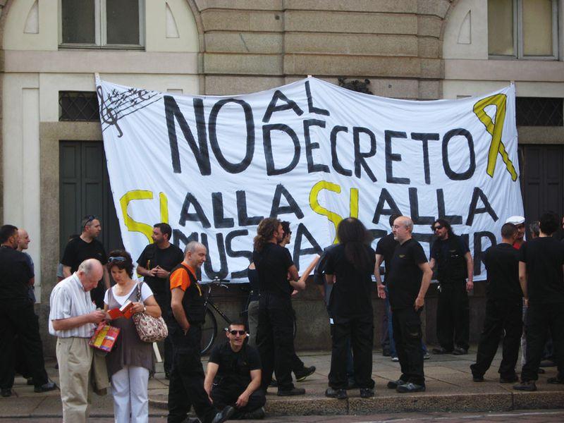 Scala protest 02
