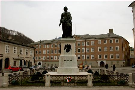 Mozartplatz01
