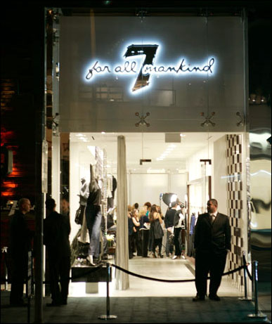 valor Restringir Reclamación  Opera Chic: 7 For All Mankind's L.A. Opening (Sadly, Without OC)